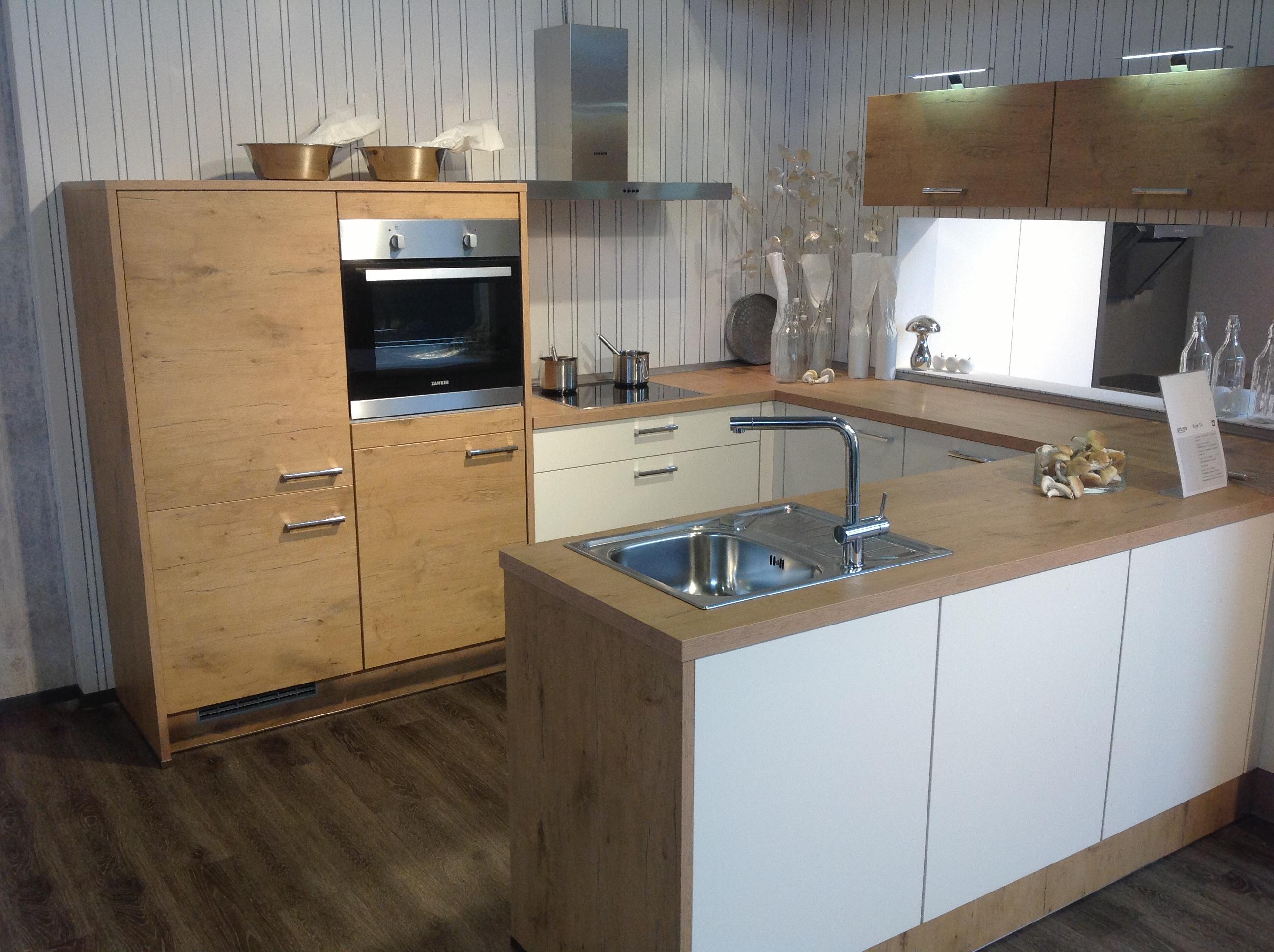 k che k che mit wei en castell eichen fronten 08. Black Bedroom Furniture Sets. Home Design Ideas